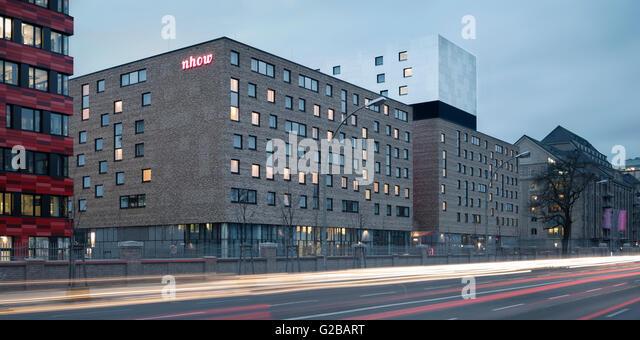 Musik & Lifestyle Hotel nhow Berlin, Berlin, Deutschland, von NPS Tchoban Voss. Außenansicht des Hotel Stockbild
