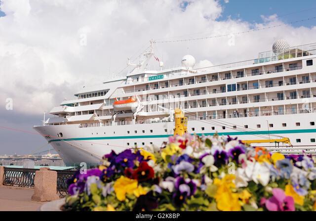 Kreuzfahrtschiff M/S Amadea von Phoenix Reisen vertäut in St. Petersburg, Russland Stockbild