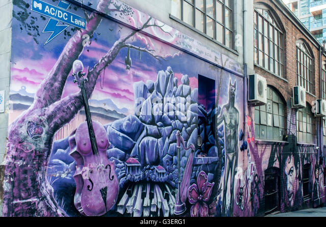 Street-Art Wandbilder in AC/DC Lane, Melbourne, gedenken die Rock-Musik-Band mit diesem Namen Stockbild