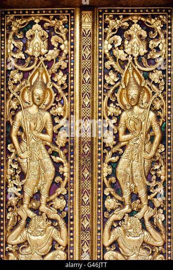 Türen von Wat Mai Suwannaphumaham Luang Prabang Laos Stockbild