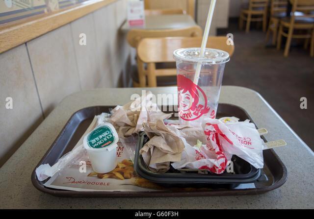 Junk-Food Müll im Fastfood-restaurant Stockbild