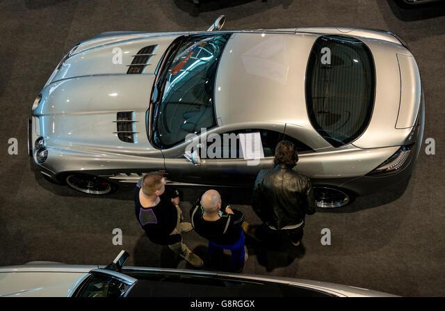 Autohändler - Mercedes Sportwagen Stockbild