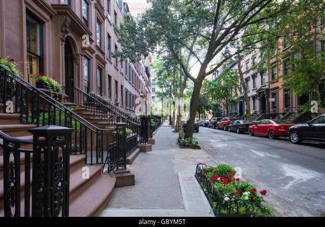 Attraktive Brownstone Wohngebäuden auf Remsen Street in Brooklyn Heights Nachbarschaft von New York Stockbild