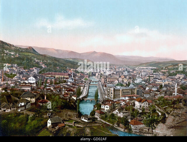 Blick über Sarajevo aus dem Norden am Ende des 19. Jahrhunderts. Photochrom Print aus Detroit Publishing Co, Stockbild