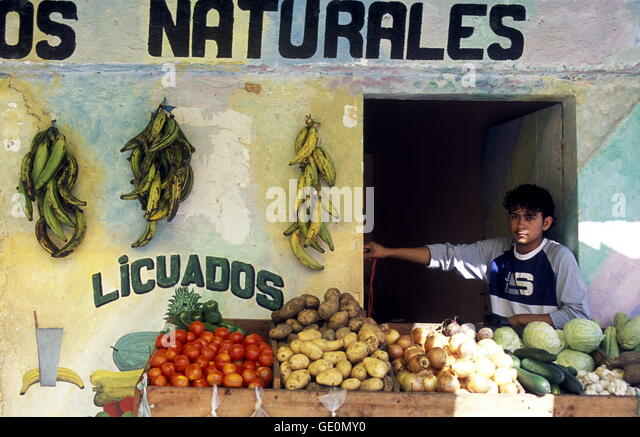 ein Markt in der Stadt Tela in der Nähe von San Pedro Sula am Meer sowie in Honduras in Mittelamerika Stockbild
