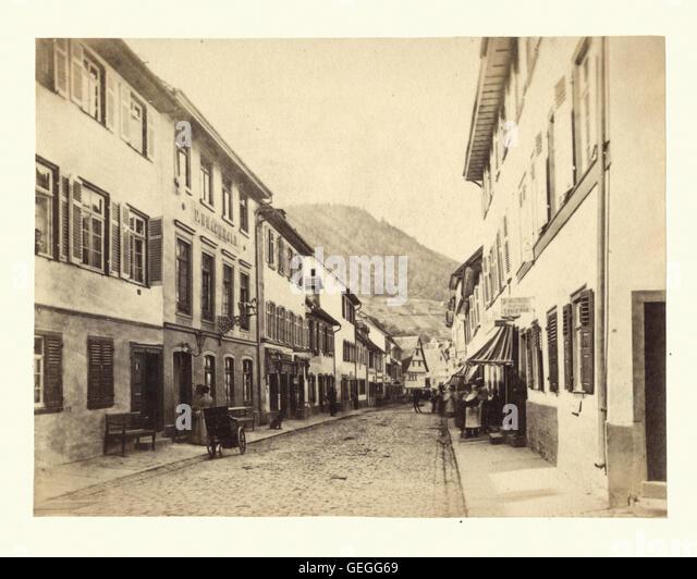 Antike Fotografie eine Straßenansicht in Heidelberg, Baden-Württemberg, Deutschland, 19. Jahrhundert. Stockbild
