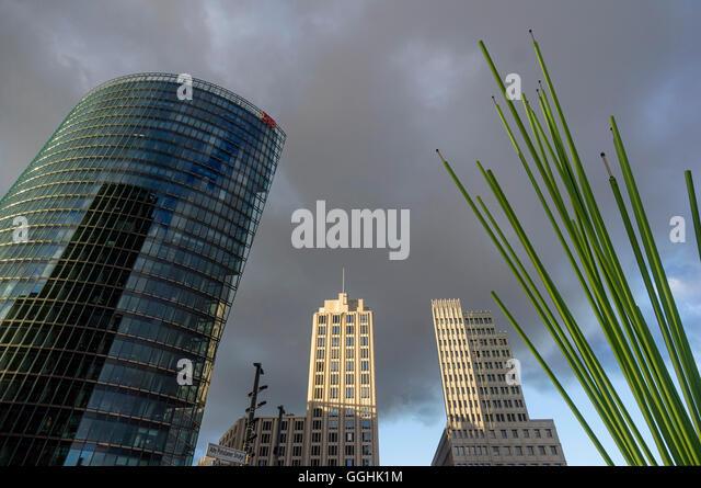 Potsdamer Platz mit Deutsche Bahn-Turm, Beisheim, Berlin, Deutschland Stockbild