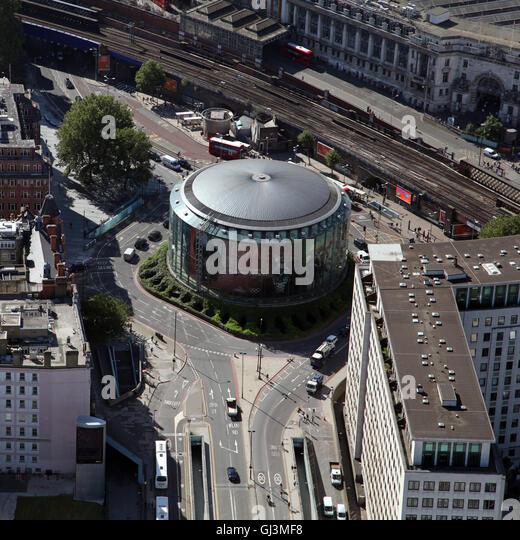 Luftaufnahme des British Film Institute IMAX-Kino auf der South Bank in London, Großbritannien Stockbild