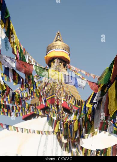 Gebetsfahnen um die Boudhanath-Pagode in Kathmandu, Nepal. Stockbild