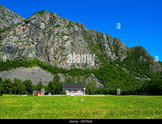 Ferienhaus in der Nähe von Bud auf der Halbinsel Romsdal, mehr Og Romsdal, Norwegen Stockbild