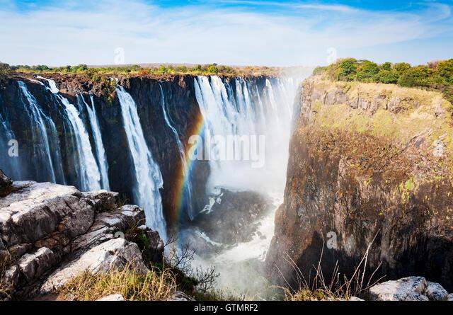 Blick auf die Victoriafälle in Simbabwe, Afrika; Konzept für Reisen in Afrika Stockbild