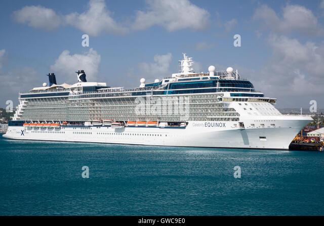 Celebrity Equinox Kreuzfahrtschiff in Port, Barbados, Karibik Stockbild