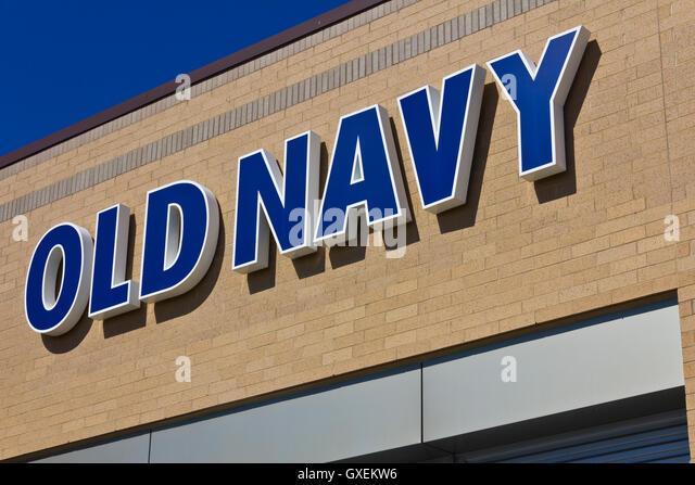 Indianapolis - ca. Juni 2016: Old Navy Retail Mall Lage. Old Navy ist eine Division der Gap Inc. ich Stockbild