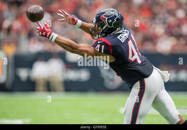 Houston, Texas, USA. 18. September 2016. Houston Texans laufen wieder Jonathan Grimes (41) Versuche, einen Haken Stockbild