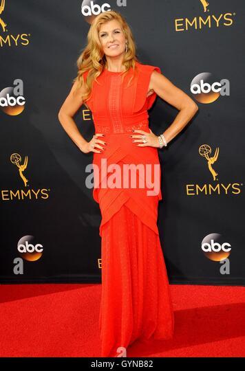 Los Angeles, CA, USA. 18. September 2016. Connie Britton im Ankunftsbereich für das 68. Annual Primetime Emmy Stockbild
