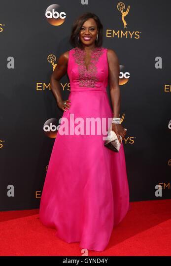 Los Angeles, CA, USA. 18. September 2016. Viola Davis im Ankunftsbereich für das 68. Annual Primetime Emmy Stockbild