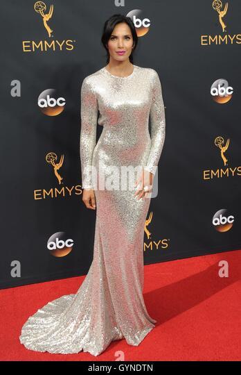 Los Angeles, CA, USA. 18. September 2016. Padma Lakshmi im Ankunftsbereich für das 68. Annual Primetime Emmy Stockbild