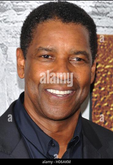 "New York, NY - 19 September: Denzel Washington besucht die ""The Magnificent Seven"" New York premiere im Stockbild"
