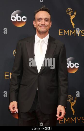 Los Angeles, CA, USA. 18. September 2016. Hank Azaria im Ankunftsbereich für das 68. Annual Primetime Emmy Stockbild