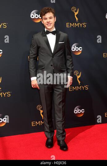Los Angeles, CA, USA. 18. September 2016. Nolan Gould im Ankunftsbereich für das 68. Annual Primetime Emmy Stockbild