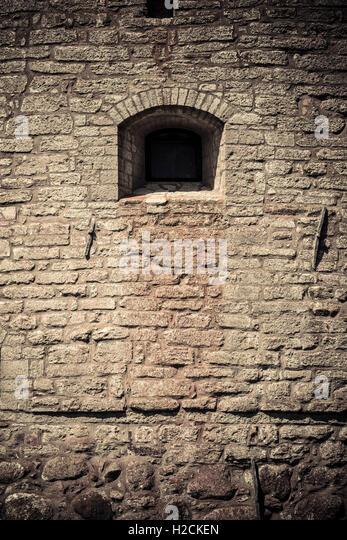 Burgmauer und Fenster. Architektonische Details. Vadstena Schloss eine historische Sehenswürdigkeit in Ostergotland, Stockbild
