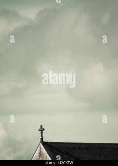 Vadstena Abbey, skandinavische Kirche. Architektonische Details. Himmel über mit Textfreiraum. Stockbild