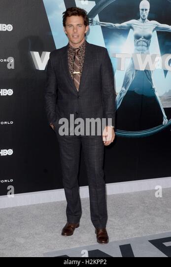 Los Angeles, CA, USA. 28. Sep, 2016. James Marsden im Ankunftsbereich für WESTWORLD Premiere auf HBO, TCL Chinese Stockbild