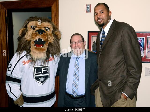 """Bailey, Paul Koretz und Paul Koretz besucht Pressekonferenz für """"Stehen bis zu Krebs Day"""" in Los Stockbild"""