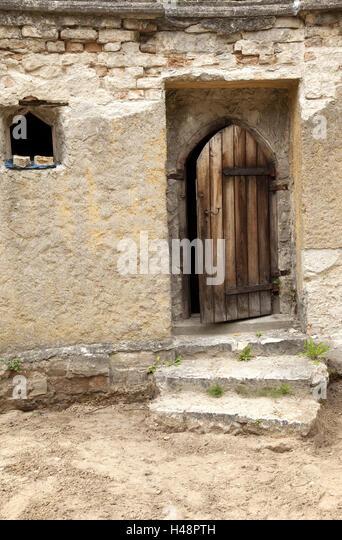 Holztür, veraltet, Stockbild