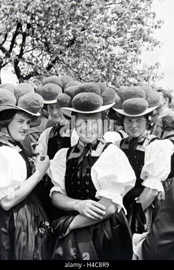 Ein Ausflug in Den Schwarzwald, 1930er Jahre Deutsches Reich. Ein Ausflug in den Schwarzwald, Deutschland der 1930er Stockbild