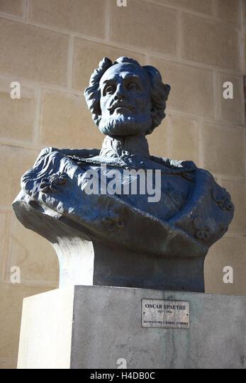 Statue Oscar Spaethe im Athenaeum, Bukarest, Rumänien Stockbild