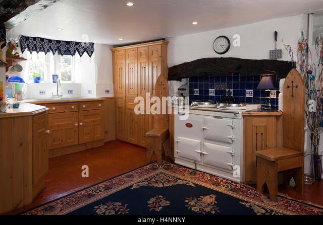 kitchen aga cooker stockfotos kitchen aga cooker bilder. Black Bedroom Furniture Sets. Home Design Ideas
