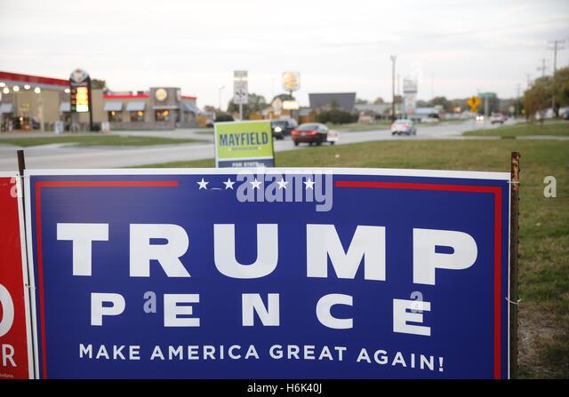 Donald Trump Schilder an der Ohio Street in Martinsville, Indiana. Es gibt keine Anzeichen für alle Demokraten Stockbild