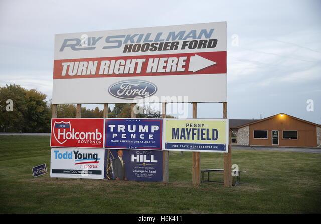 Donald Trump Schilder entlang der Autobahn Indiana Route 37 in Martinsville, Indiana. Es gibt keine Anzeichen für Stockbild