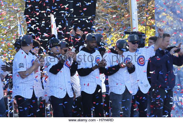 Chicago, USA. 4. November 2016. Chicago Cubs Spieler richten Fans während einer Kundgebung im Grant Park, das Stockbild
