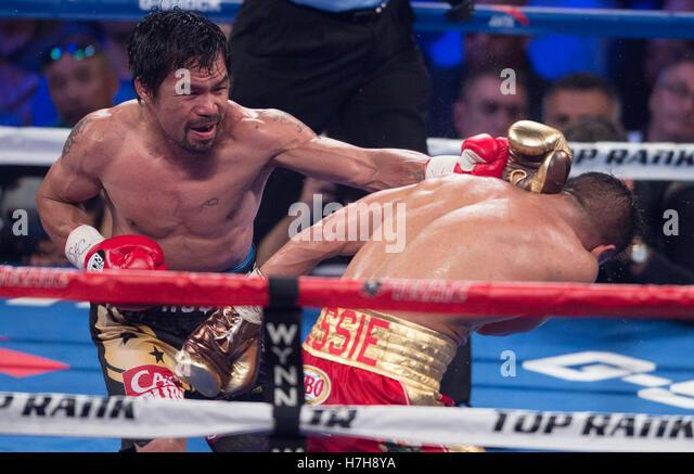 Las Vegas, USA. 5. November 2016. Manny Pacquiao (L) der Philippinen Stempel Jessie Vargas während den WBO Stockbild