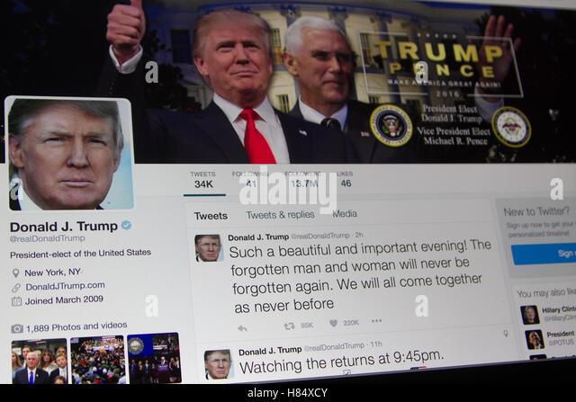 9. November 2016. US-Präsidenten Elect Donald J Trump sendet ein Twitter Nachricht nach seinem beeindruckenden Stockbild