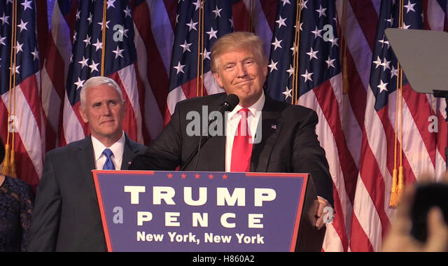 Donald Trump als er seine Dankesrede in New York macht nach seinem Sieg zu er 45. Präsident der Vereinigten Stockbild