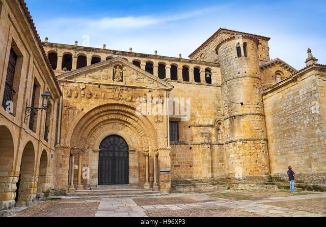 Colegiate de Santa Juliana, Santillana del Mar, Kantabrien, Spanien Stockbild