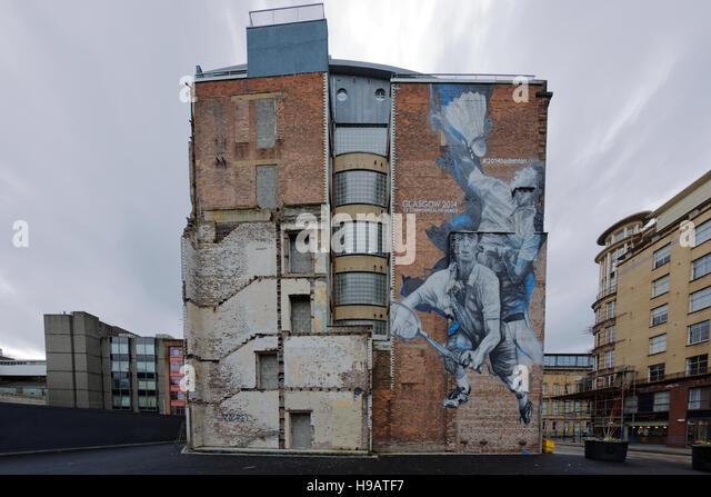 Glasgow Commonwealth Games Wandmalereien auf Seiten von Gebäuden, Badminton bei Candleriggs Glasgow Stockbild