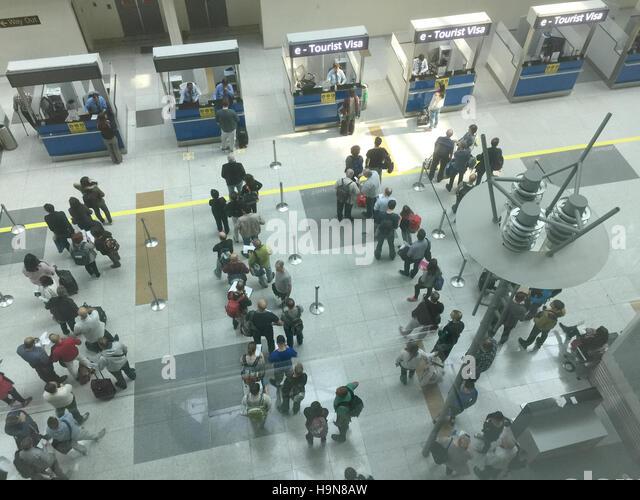 ARRIVALS HALL DELHI Flughafen Foto Tony Gale Stockbild
