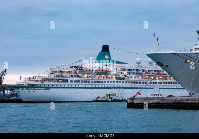 Albatros, Phoenix Reisen.com Firma gehören, in der Abenddämmerung in Venedig. Stockbild