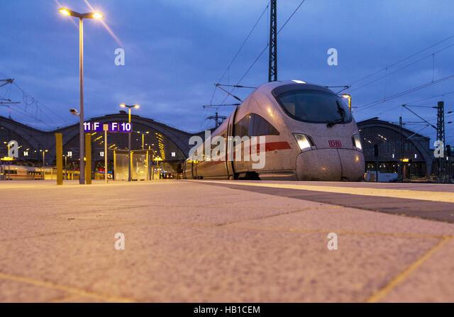 Deutsche Bahn: ICE-Zug-Station Leipzig Stockbild
