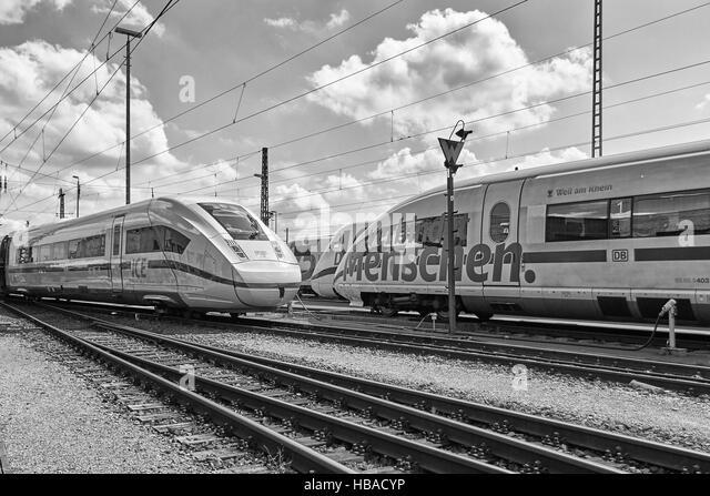 Deutsche Bahn: ICE-Züge in Berlin-Grunewald Stockbild