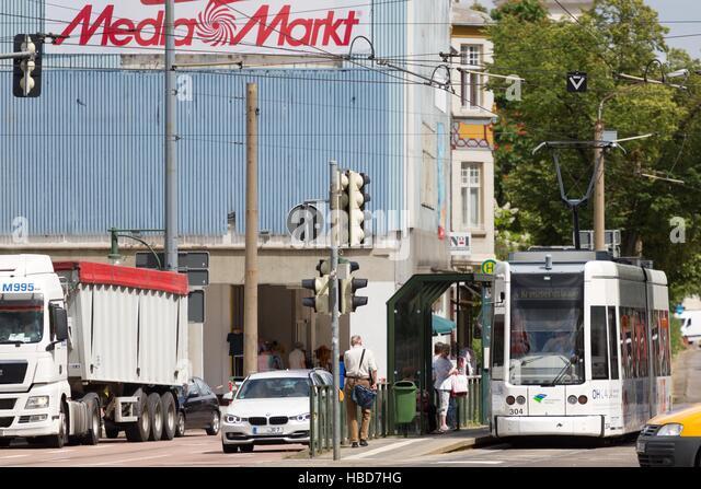 Dessau: Straßenbahn zur Kreuzberg-Straße Stockbild