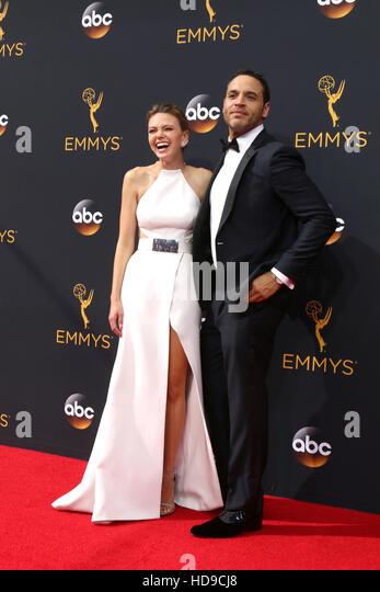 2016 Primetime Emmy Awards - Anreise am Microsoft-Theater am 18. September 2016 in Los Angeles, CA mit: Aimee Teegarden, Stockbild