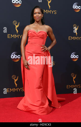 2016 Primetime Emmy Awards - Anreise am Microsoft-Theater am 18. September 2016 in Los Angeles, CA mit: Regina König Stockbild