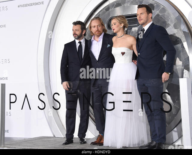 Westwood, Kalifornien, USA. 14. Dezember 2016. Michael Sheen, Morten Tyldum, Jennifer Lawrence und Chris Pratt kommt Stockbild