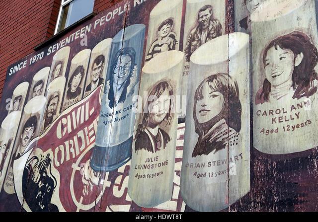 Belfast fällt Rd republikanischen Wandbild - 17 Tote Stockbild