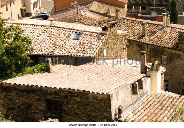 Mittelalterliche Dorf Bourdeaux Frankreich, alte Architektur Bilder Nostalgie historische Häuser Landschaft Stockbild